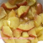 Яблоки, запеченные в микроволновке