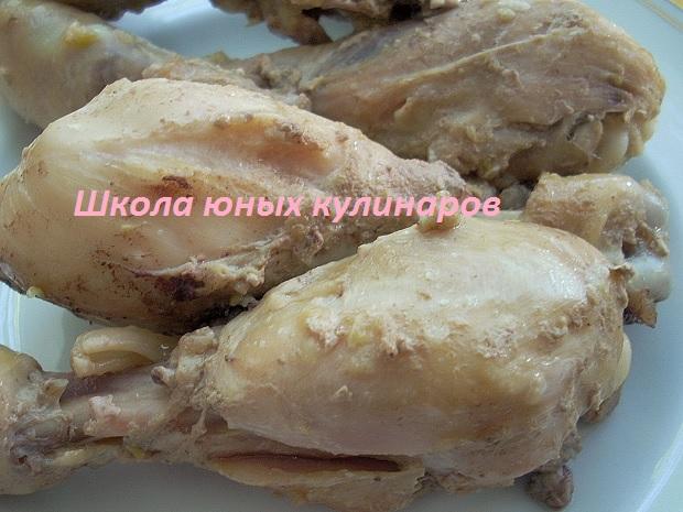 простые тушеные куриные голени в соевом соусе