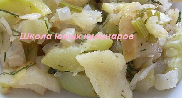 Простые тушеные кабачки с яблоками в мультиварке
