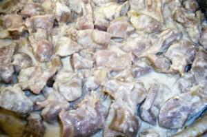 Невероятно нежные куриные желудки приготовленные с добавлением сметаны