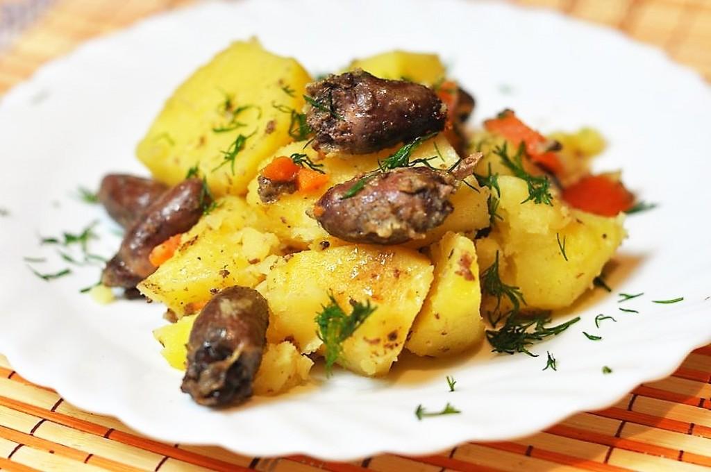 Рецепт куриных сердечек с картошкой