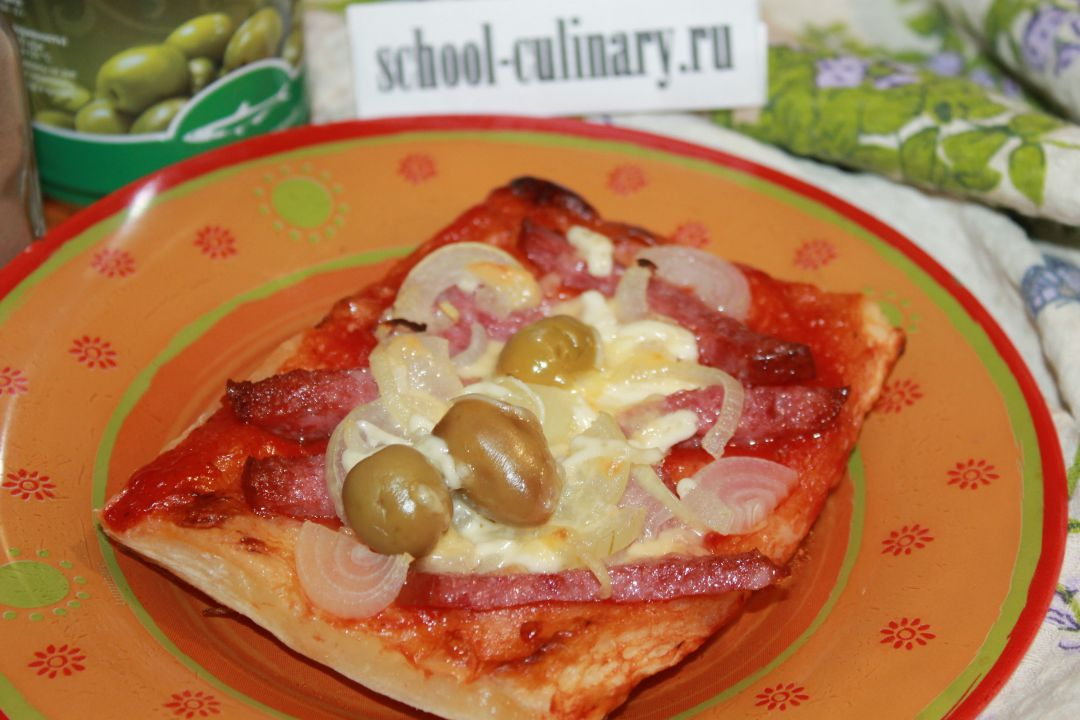 Вкусная домашняя пицца с оливками