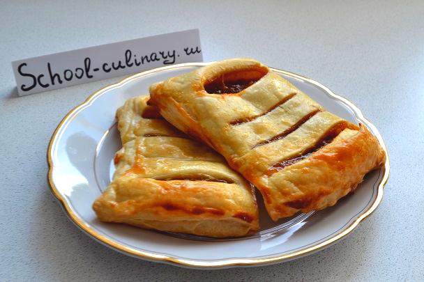 Пирог с вареньем из слоеного теста - рецепт пошаговый с фото