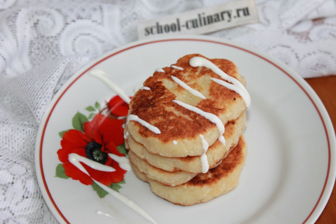 Печем быстрые сырники из творога с мукой