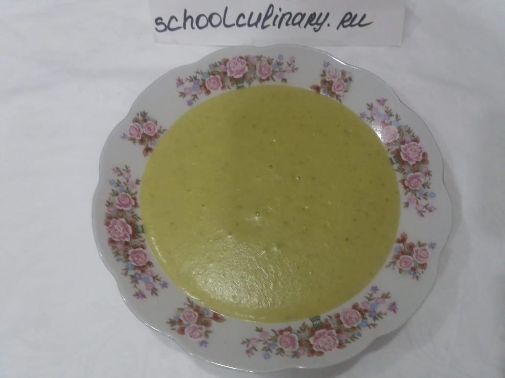 Суп-пюре из брокколи и соуса бешамель