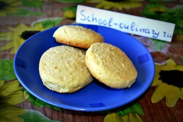 Песочное печенье на сметане с кокосовой стружкой