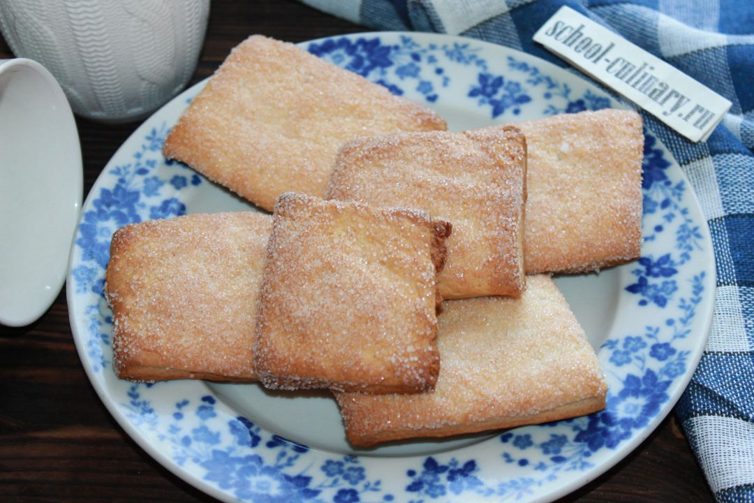 Сахарное печенье на сметане