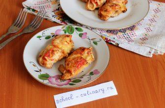 Запекаем курицу с помидорами и сыром в духовке
