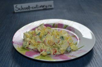 Салат с крабовыми палочками и вареной кукурузой