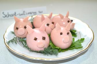 Готовимся к новому году и делаем свинок из яиц