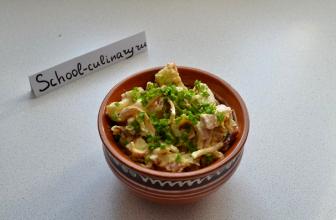 Как приготовить вкусный салат с омлетом и курицей