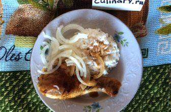Жареная курица с соевым соусом и луком