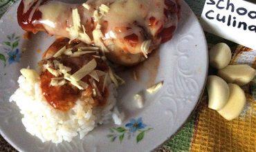 Курица в томатном соусе и сыром