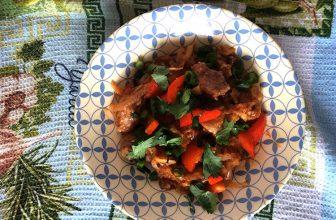 Мясо по-китайски в кисло-сладком соусе
