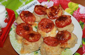 Стожки с помидорами и сыром
