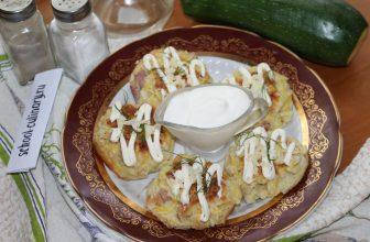 Кабачковые кексы с колбасой