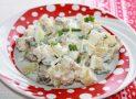 Как приготовить салат из соленых огурцов с картофелем и луком