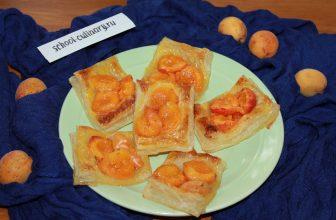 Готовим вкусные слойки с абрикосами